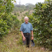 Umweltschützer und Gastgeber Rainer Krefft vor einer Wiederbewaldung