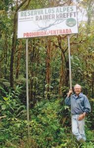Rainer Krefft am Eingang seines Naturreservates
